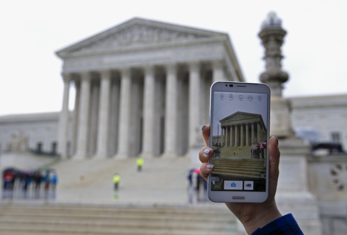 Unanimous Supreme Court Rules Police Need A Warrant To Search Cellphones