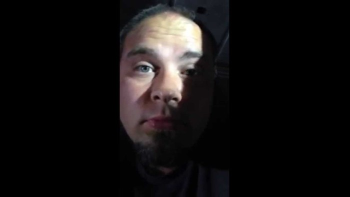 """Cop Says """"Get a Hotel"""" to Homeless USMC Veteran and Gives Him a Ticket for Sleeping in His Van"""