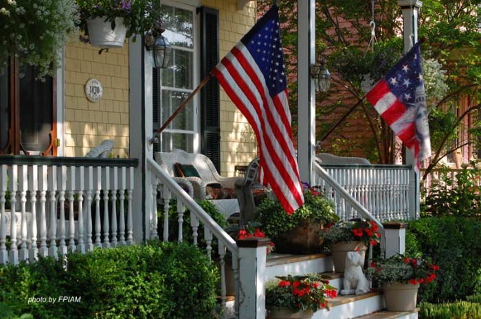 Told You Can't Fly the American Flag in Your Yard… Here is the Law That Says You Can