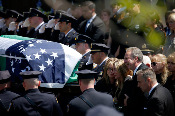 [Watch] Obama Sent 3 Officials To Freddie Gray's Funeral… He Sent No One To NYPD Officer Brian Moore's Funeral