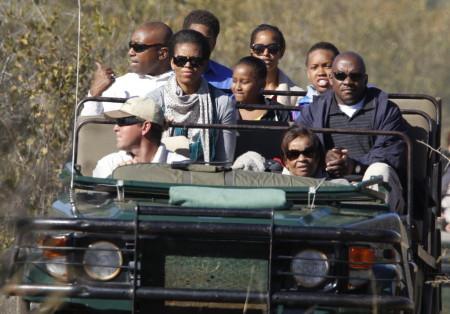 20121018_michelle-obama-africa-safarijpg-_LARGE