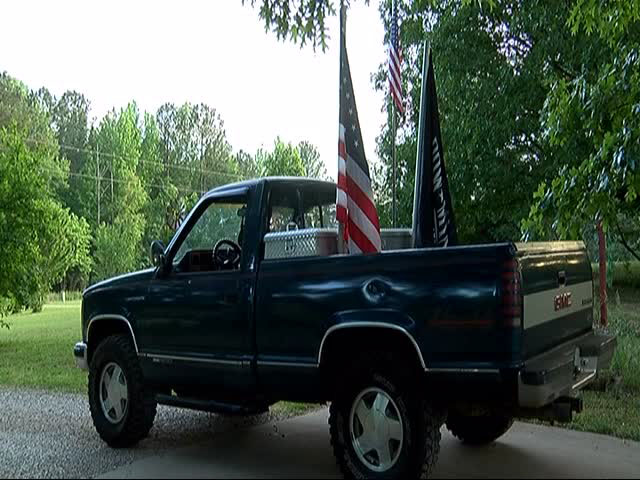 [Watch] School Bans Student From Flying American Flag
