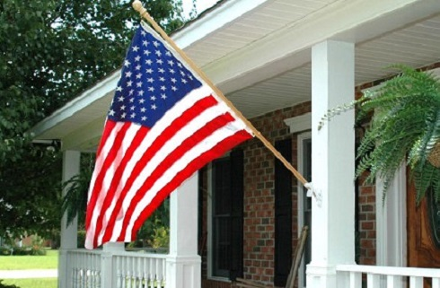 Homeowner Association Demands Veteran Take American Flag Down [Video]