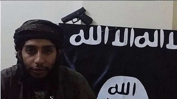 New ISIS Video Shows Paris Attackers Committing Prior Atrocities, Threatening UK (Video)