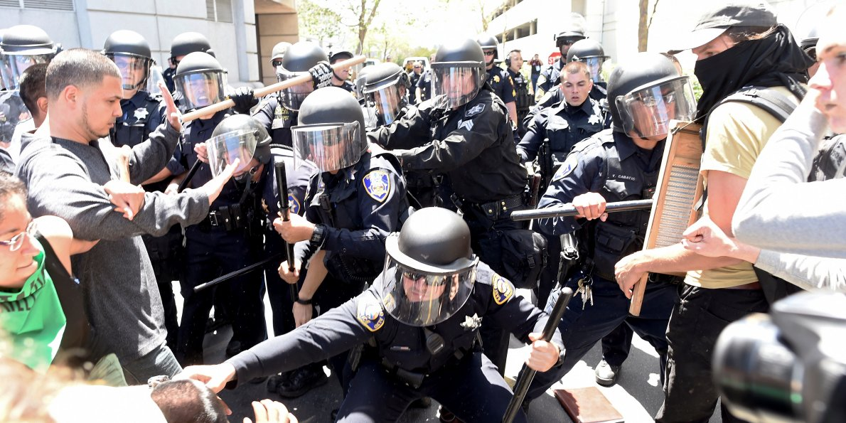 it-was-like-i-was-crossing-the-border-trump-had-to-take-evasive-maneuvers-to-avoid-protesters-near-san-francisco