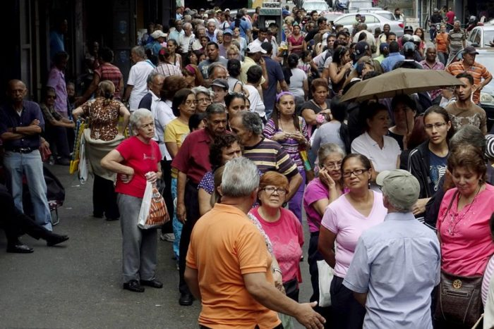 Venezuela Looters Target Chicken, Flour Amid Worsening Shortages (Video)