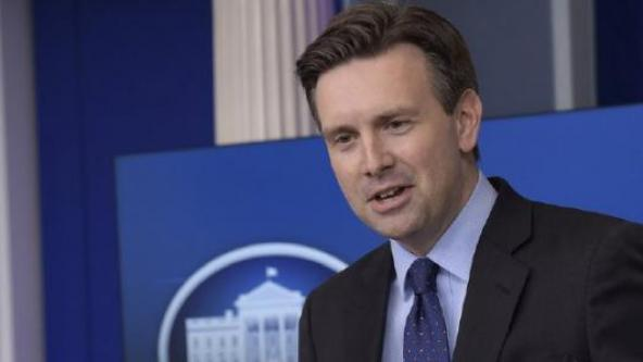 COMEDY: White House Spox Josh Earnest Wants Press To Give Obama Credit For Being Transparent (Video)