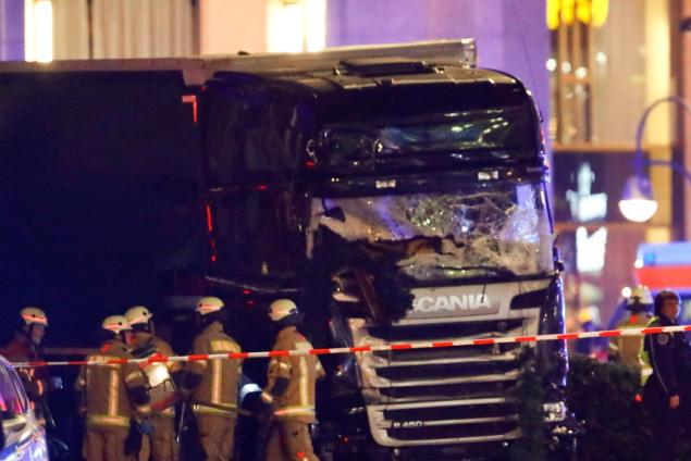 HOLIDAY HORROR: At Least 9 Dead, 50 Hurt In Attack At Christmas Market In Berlin (Video)