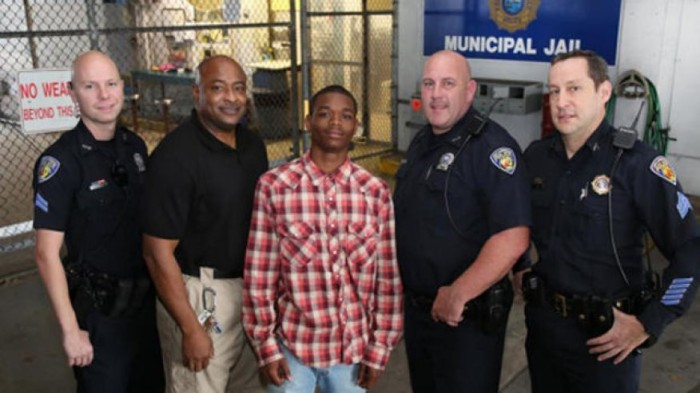 [Watch] Arrested Handcuffed Teen Hailed a Hero After Saving Cop's Life