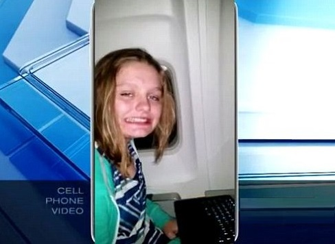 [Watch] United Airlines Kicks 15 Year Old Autistic Girl Off Flight