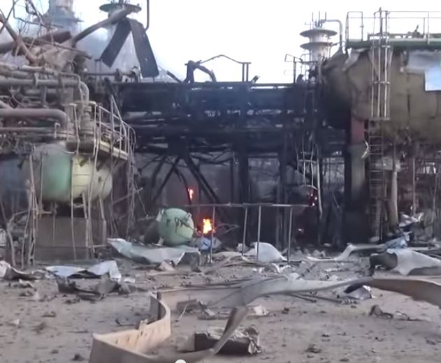 ISIS Releases Video Of The Largest Iraqi Oil Refinery Engulfed In Flames [Video]
