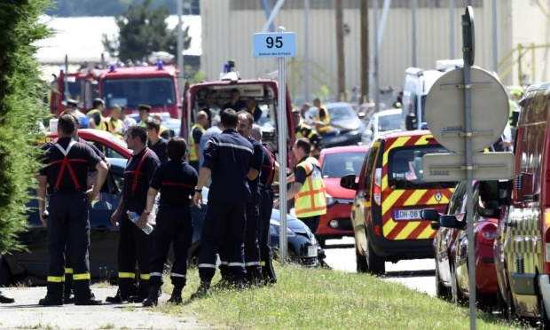 ISIS Terrorist Attack At American Factory In France – Man Decapitated [Video]