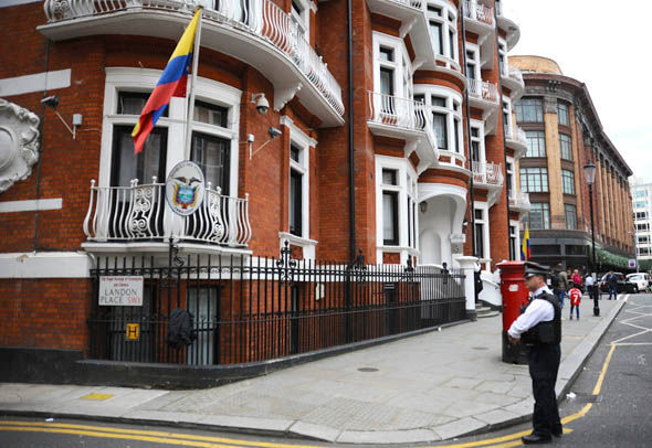 WikiLeaks Assange Stays Indoors, Fears CIA Drone Attack