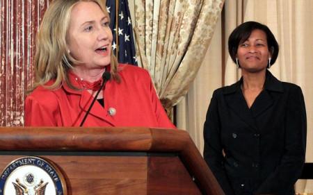 Hillary_Clinton_Cheryl_Mills_1-640x400