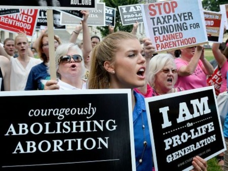 Planned-Parenthood-protest-Getty-640x480