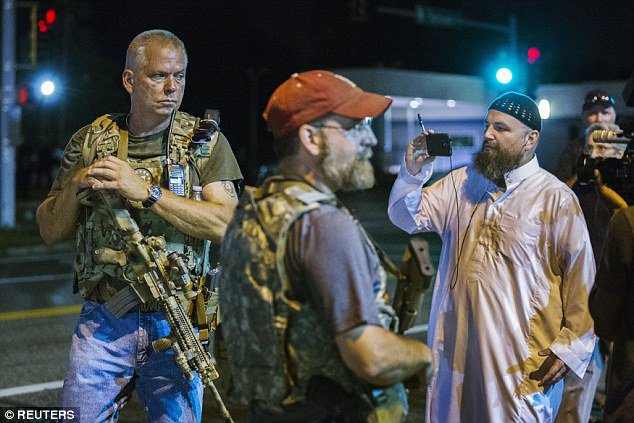 Oath Keepers Patrolling Ferguson Streets [Video]