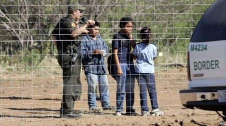 illegal_children_at_border-590x331
