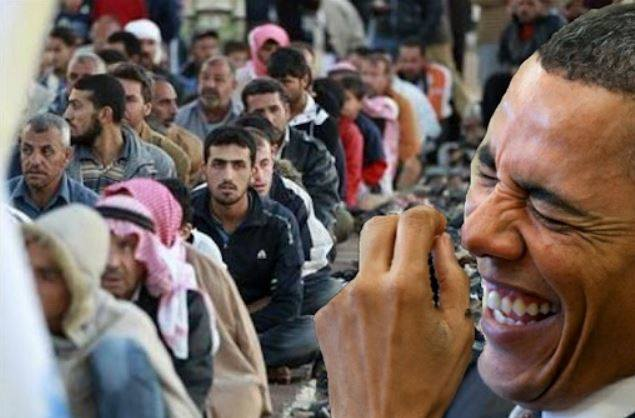 Obama Still Plans To Accept 10,000 Syrian Refugees Despite Paris Terrorist Attacks