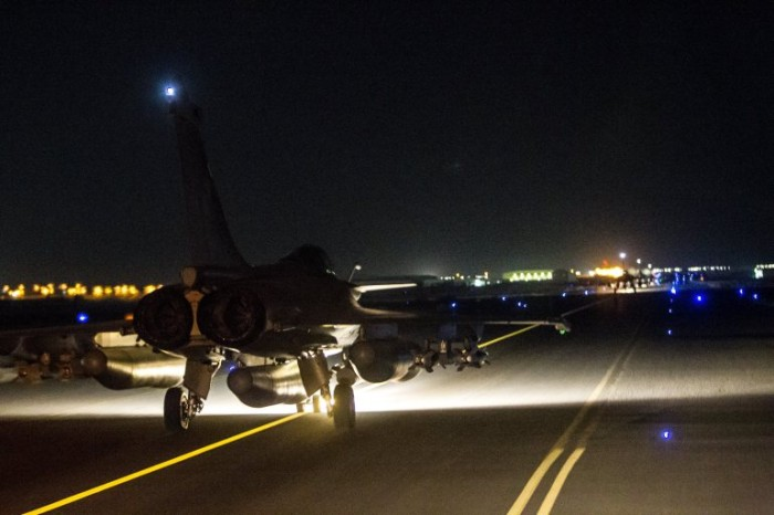 France Launches Massive Airstrike On ISIS In Syria (Video)