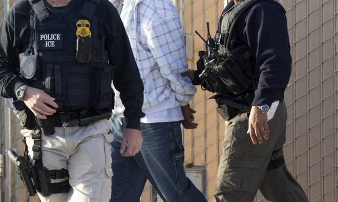 Congress: 'More Than 179,000 Criminal Illegal Immigrants Roaming Free in U.S.' (Video)