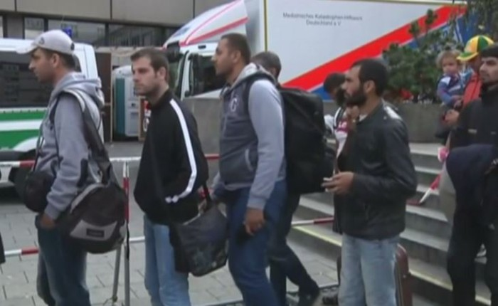 Flight Of 21 Syrian Refugees Scheduled To Arrive In Texas
