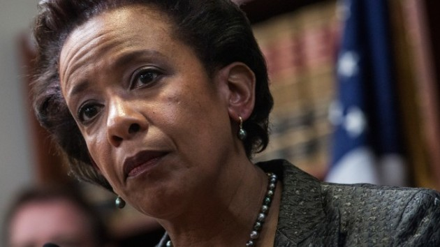 FBI Threatens Attorney General Lynch 'INDICT Hillary Clinton Or Else…'