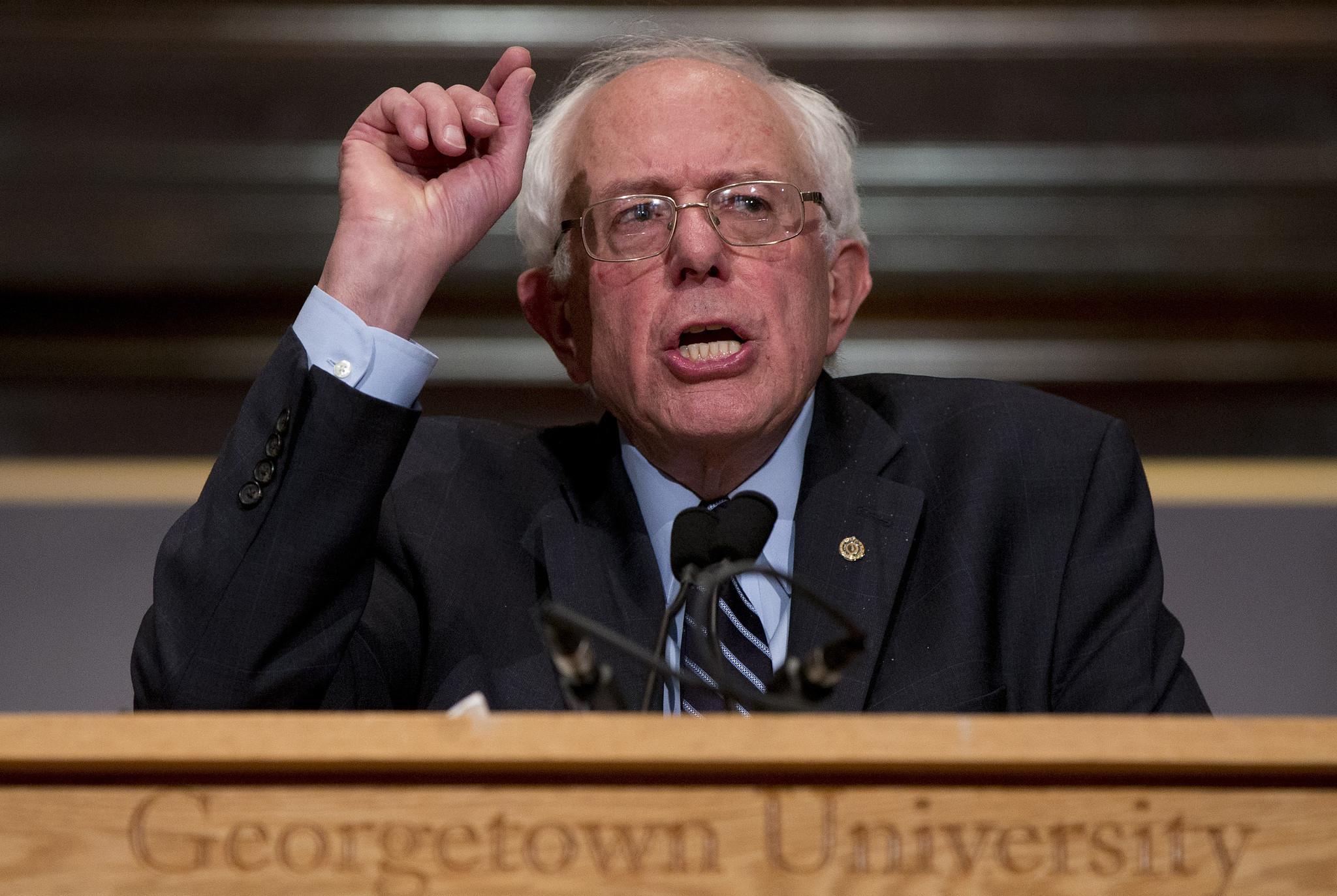 ct-bernie-sanders-democratic-socialism-20151123