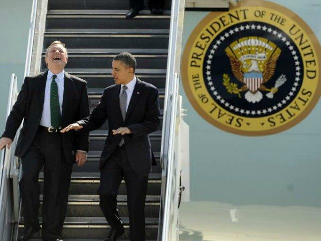 dick-durbin-obama-airforce-one-AP-640x480