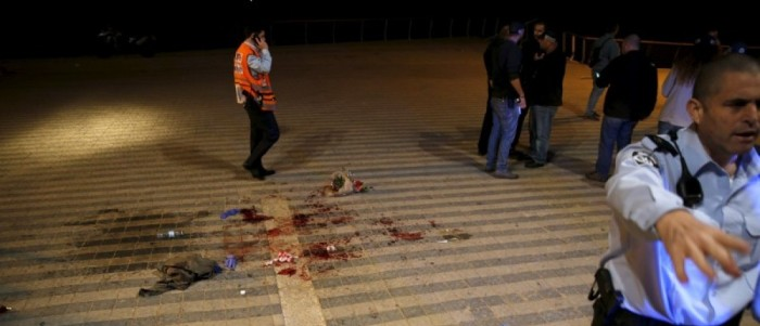 Israeli Stabbing Victim Pulls Knife From Own Neck, Kills Terrorist With It