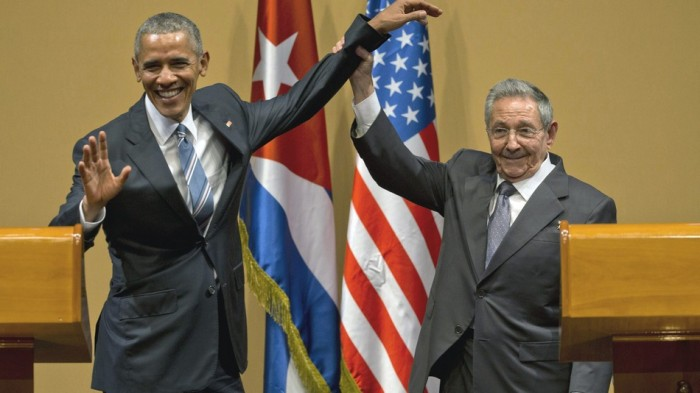 VIDEO: Cuba's President Raul Castro Denies President Obama A Hug