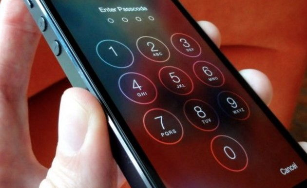 FBI Agrees To Unlock iPhone, iPod In Arkansas Homicide Case (Video)