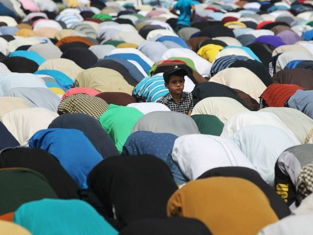 Christian Refugees Forced To Participate In Islamic Prayers