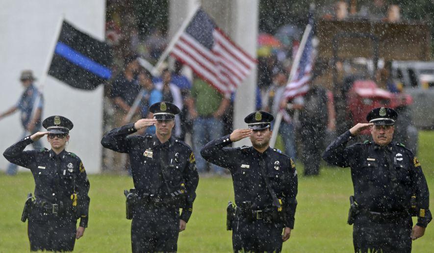 Police_Funerals_Baton_Rouge.JPEG-02fe0_c0-0-3748-2185_s885x516