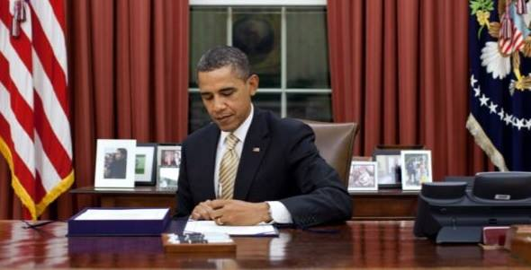 Obama Warns Trump Not To Overuse Executive Orders (Video)