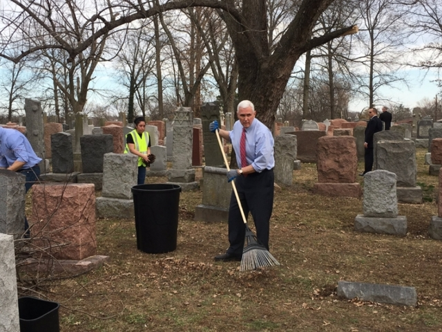 Vice-President Pence Helps Clean Up Vandalized Jewish Cemetery (Video)