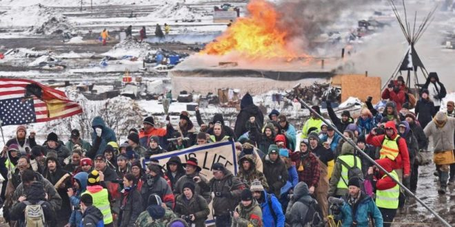 Dakota Pipeline Camp Raided After Protesters Defy Deadline, Refuse To Leave (Video)