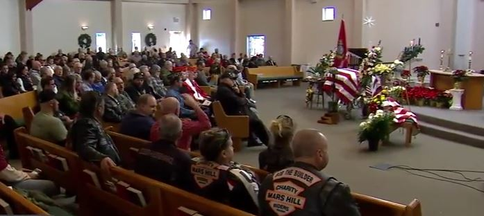 Hundreds Attend Funeral of 'Abandoned' Vietnam Veteran, Purple Heart Recipient (Video)
