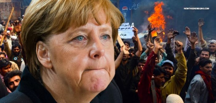 Angela Merkel Warns That the Migrant Crisis Could 'Make or Break' the EU (Video)