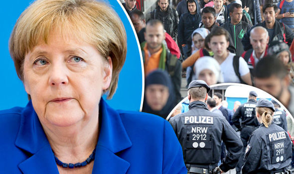 Deadline for Merkel? Germany to Start Kicking Out Migrants if No Deal With EU