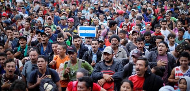 Homeland Security: Migrant Caravan at US Border is Harboring Hundreds of Criminals