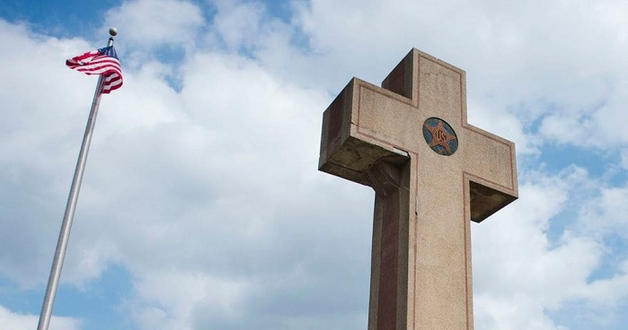 Supreme Court Inclined to Allow 40-Foot 'Peace Cross' to Remain on Public Land