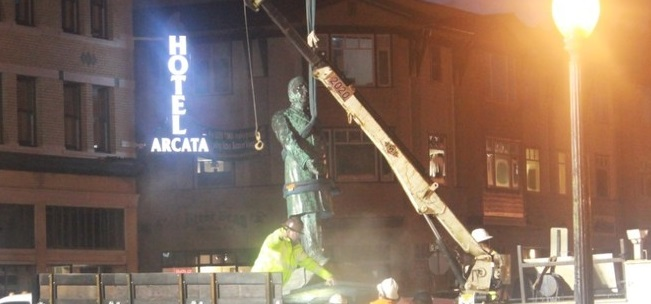 In the Dead of Night: California City Removes 113-Year-Old Statue of President McKinley (Video)