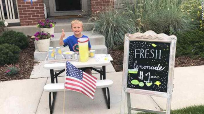 After dad's death, 6-year-old opens lemonade stand to take mother on date (Video)
