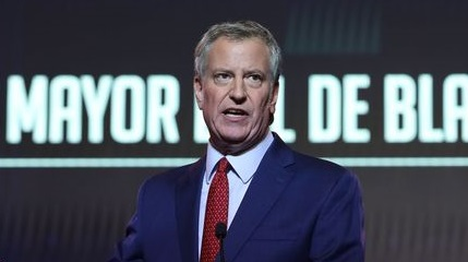 View co-host rips de Blasio bragging about crime, saying friend was mugged in NYC (Video)