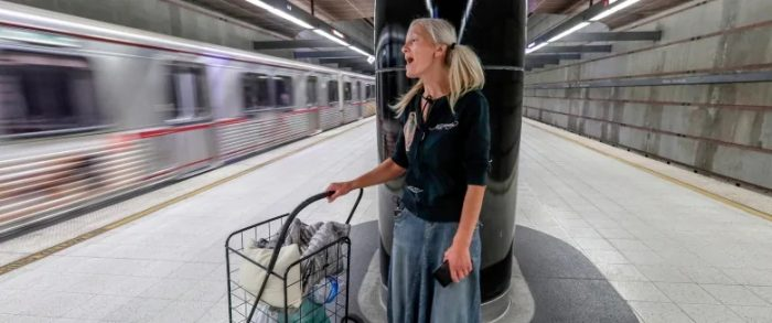 Homeless 'subway soprano' offered a record deal after video of her angelic singing goes viral (Video)