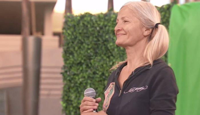 Homeless 'Subway Soprano' Performs at Historic Little Italy Celebration (Video)